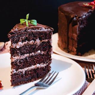 {Vegan Chocolate Cake} - Tort de post cu ciocolata si Green Sugar