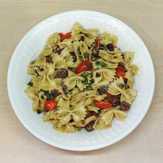 Bow-Tie Pasta with Tomatoes, Basil, and Olives