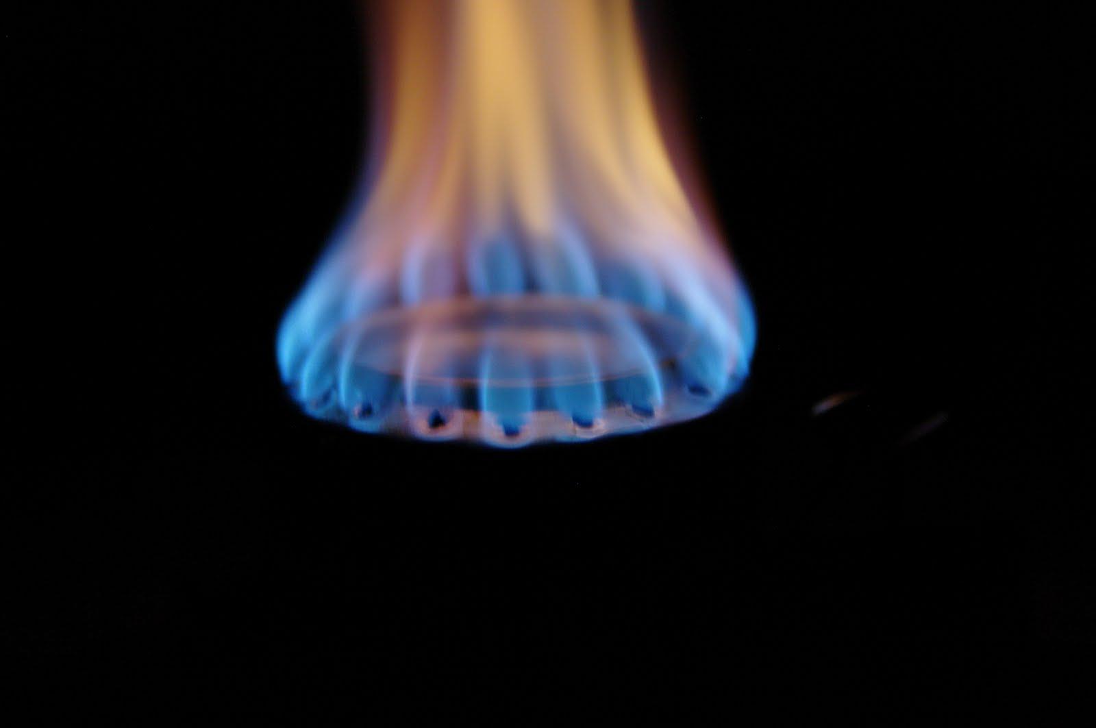 Photo: Pełny zapłon. Niebieski płomień sugeruje niskie promieniowanie cieplne -- nadaje się do przekazywania ciepła przez kontakt