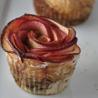 Cinnamon Apple Roses With an Apple Butter Filling [Vegan]