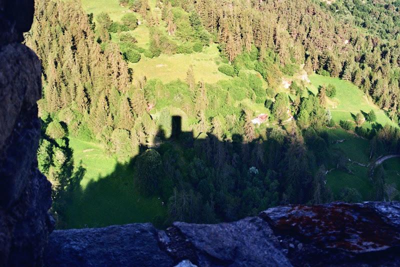 Le ombre del castello della sera di EttoreB