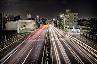 Photo: Never-ending flow of traffic  Went out last Saturday evening to shoot around my neighborhood. I had planned to do long exposures of trains (which I did take), but this, the unplanned shot, ended up being more interesting for me.  I probably wouldn't have taken this shot if it weren't for Gioppi tagging me in some #5dayquest . I ended up shooting for 5 days in a row, but the weekend shots (in other words, this and Sundays shots) were the best, which is a bit of a bummer because it means I started out strong but finished on a weak note (^^;  It was still fun though :)  Good night from Tokyo!  #Tokyo  #longexposure  #traffic  #lighttrails  #Japan