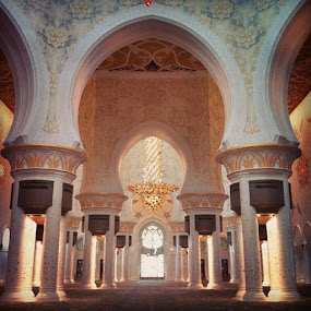 Sheikh Zayed Mosque by Conor MacNeill - Instagram & Mobile Instagram
