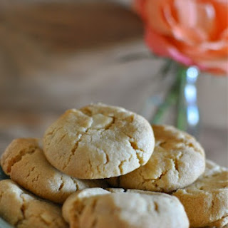 White Chocolate And Macadamia Biscuits
