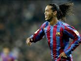 Ronaldinho encense Robert Firmino