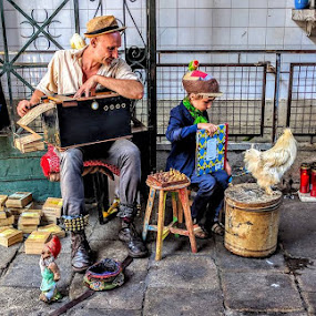 The chicken and other stories by Stephen Lang - People Street & Candids