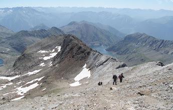 Photo: Ascendemos por un camino resbaladizo de tierra para atacar la última subida fuerte antes de iniciar la cresta.