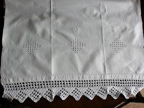 Photo: quarto asciugamano con un altro motivo a sfilature e cifra