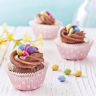 Chocolade Crème Paascupcakes Met Vogelnestjes