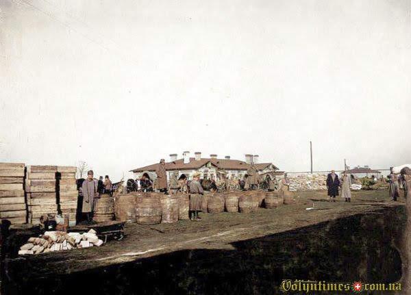 """1915-1916, Вокзал (біля колишнього кафе """"Світлофор"""")"""