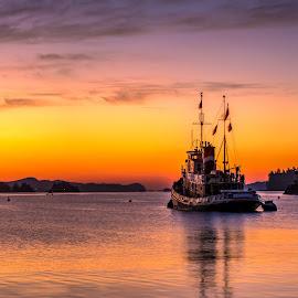 Sunrise at Ganges Harbour by GThomas Muir - Transportation Boats ( salt spring island, sunrise, ocean, boats, boating, ganges harbour )