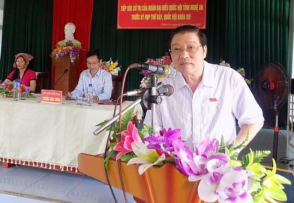 Đồng chí Phan Đình Trạc, Bí thư TW Đảng, Trưởng ban nội chính TW tiếp thu, giải trình kiến nghị của cử tri Quỳ Hợp