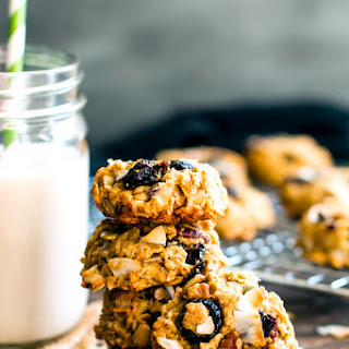 Healthy Oatmeal Trail Mix Cookies.