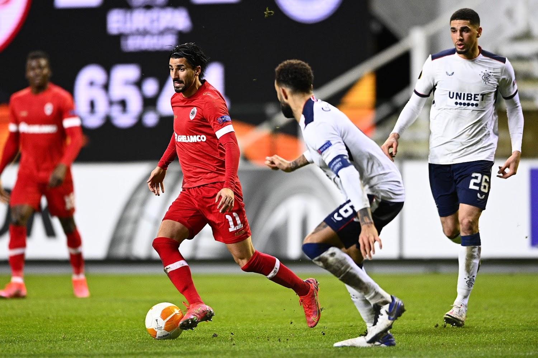 Europa League : Match complètement fou entre l'Antwerp et les Rangers, Naples surpris et Benfica tient tête à Arsenal - Walfoot.be