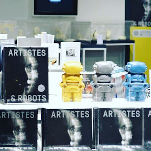 les robots junny en béton coloré au grand palais