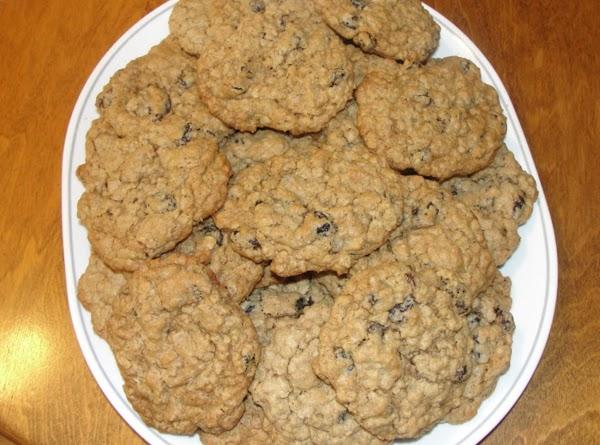 Grandma Whites Raisen Oatmeal Cookies Recipe