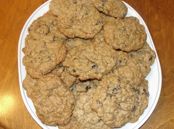 Grandma Whites Raisen Oatmeal Cookies