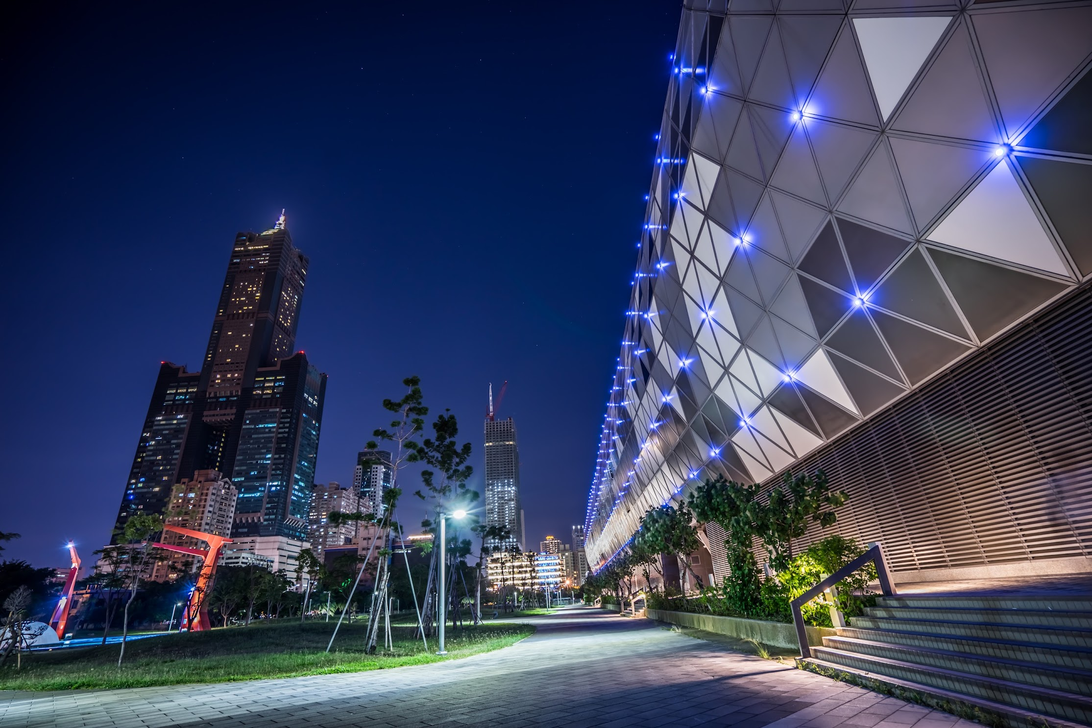 Taiwan Kaohsiung Exhibition Center night view2