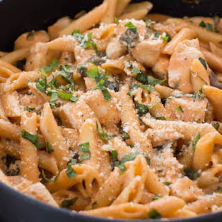 One Pot Creamy Tomato Pasta with Chicken and Spinach.