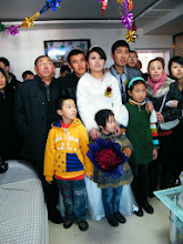 Photo: warrenzh 朱楚甲 was brought by his mom traveled to join her relative's wedding ceremony in weekends. son said its not so interesting. here he with his relatives, inc bride&bridegroom.
