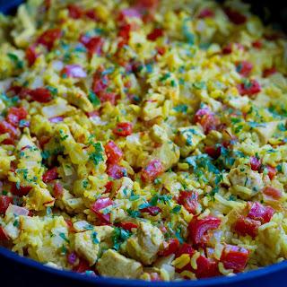 One-Pot Arroz Con Pollo {Chicken and Rice}.