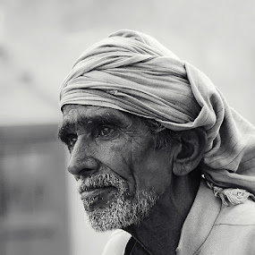 lost in his thoughts by Usman Irani - People Portraits of Men ( deep thoughts, old man, senior citizen, portrait, , Travel, People, Lifestyle, Culture )