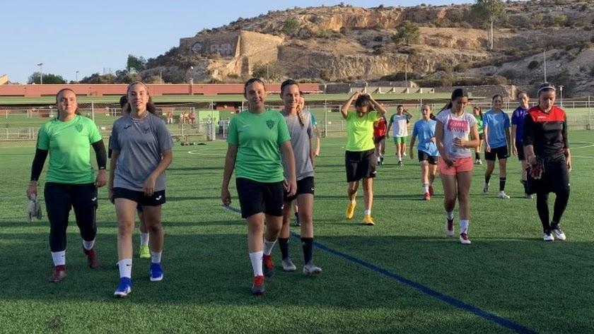 El equipo femenino formará categorías de base.