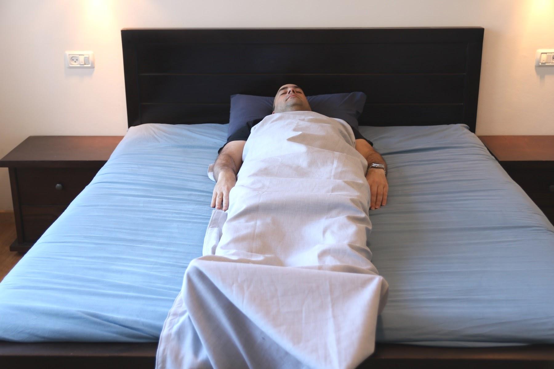 שק שינה מבד חוסם קרינת רדיו