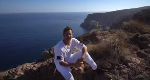 David Bisbal muestra a sus fans unas impresionantes vistas de la costa almeriense.