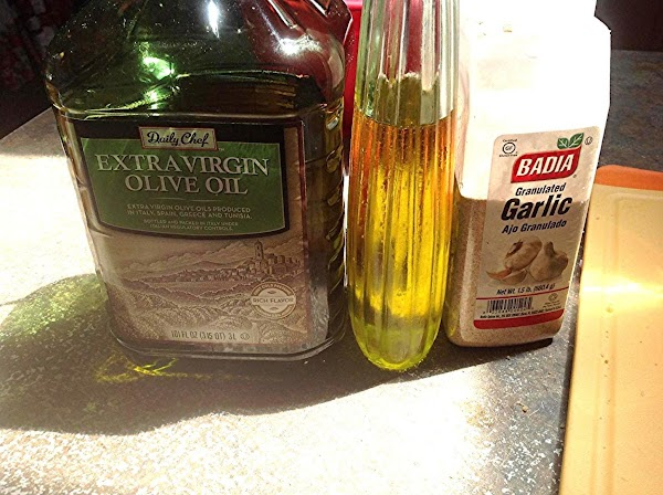 These are the ingredients I used to make the croutons.