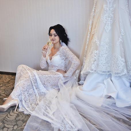 Свадебный фотограф Артём Гребенев (Grebenev). Фотография от 12.01.2018