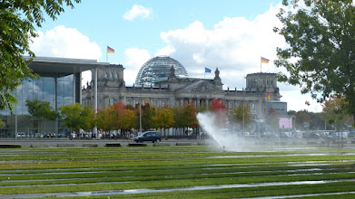 Photo: Paul Löbe Haus & Reichstag