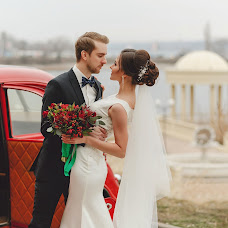 Wedding photographer Svyatoslav Dyakonov (SlavaLiS). Photo of 13.02.2018
