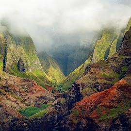 Na Pali Coast, Kauai, Hawaii by Dee Haun - Landscapes Travel ( landscapes, na pali coast, mountains, hawaii, kauai, 170609x9020c5e5, valley, travel, colorful )