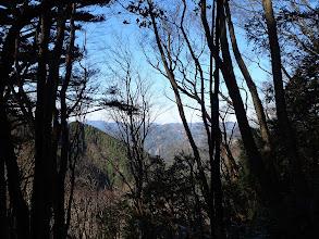 樫の木峠へ降りる