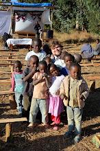 Photo: Onfdra obložený dětmi na site Nyololo