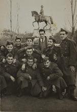 Photo: Soldados en el Espolón. Proveedor: Mª Jesús Fdez Bobadilla Untoria. Año: 1950.