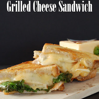 Grilled Cheese Sandwich with Apples & Sweet Chili Sauce