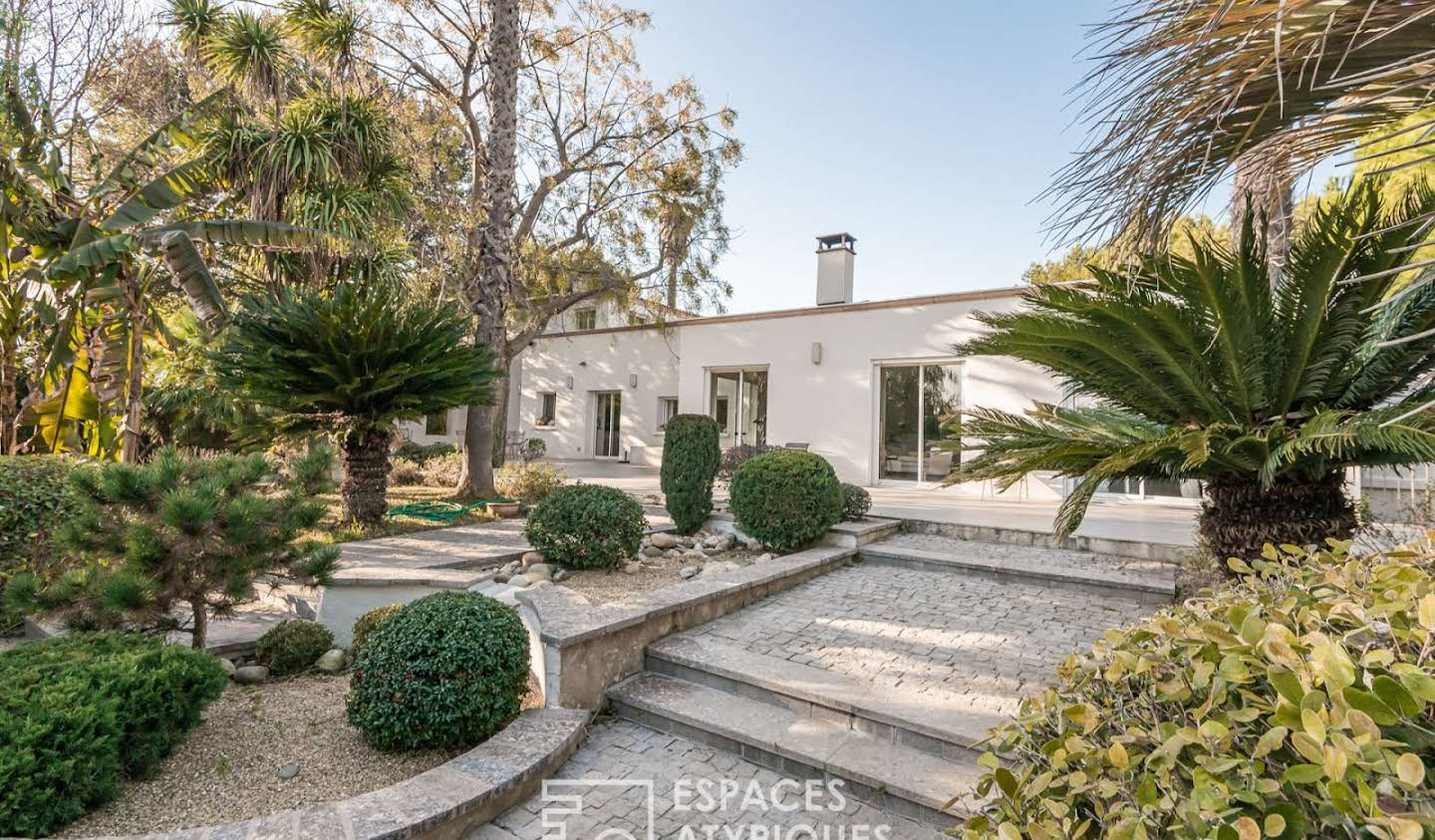 House with pool Serignan