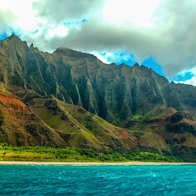 Na Pali Coast, Kauai by Timothy Carney - Landscapes Mountains & Hills ( cliffs, na pali, seascape, hawaii, kaua`i )