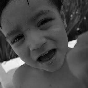 Hi There by Luiz Michelini - Babies & Children Children Candids
