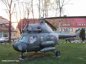 Photo: Pomnik tradycji lotnicznych obok siedzyby dawnego dowództwa obecnie Centrum Kształcenia i Wychowania