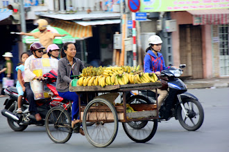 Photo: Year 2 Day 29 - Banana Seller on the Way Out of Saigon