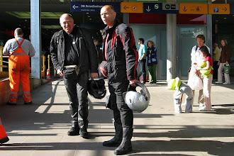 Photo: Ankunft in Hamburg Altona, warten auf die Bikes