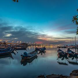 Kampong Sg.Dua by Lim Keng - Transportation Boats