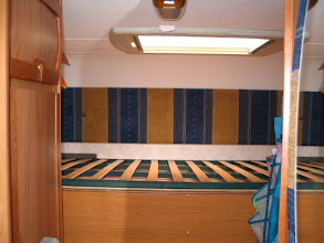 Photo: Pensaba sacar la nevera por encima de la cama y por el acceso al garaje.