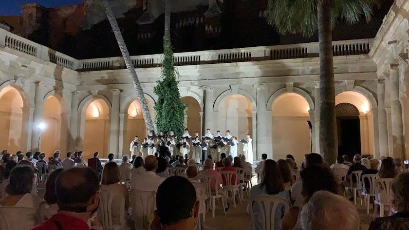 La música vuelve al claustro de la Catedral