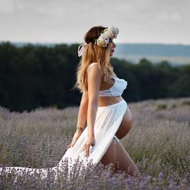 by Теди Димитрова - People Maternity