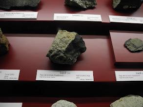 Photo: Plus de 300 météorites sont présentées.