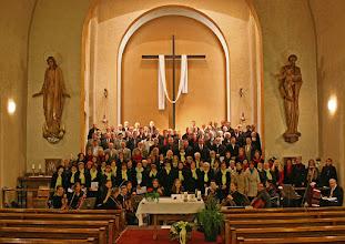 Photo: Gemeinschaftsmesse mit Bludenzer Kirchenchor, Liederkranz, Sängerrunde, Franziskanerchor, Pace bene Chor und Gioia